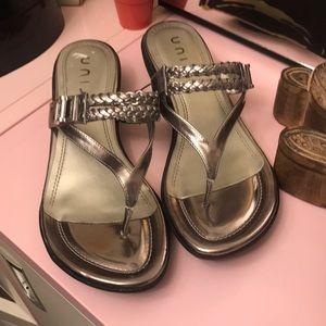 NWOT Unisa Sandals